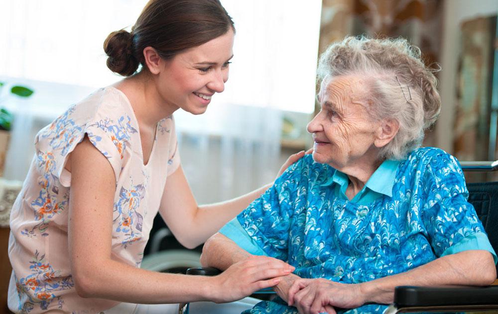 قیمت پرستار سالمند در منزل